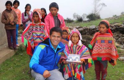 Christmas with children's of Inca Cancha