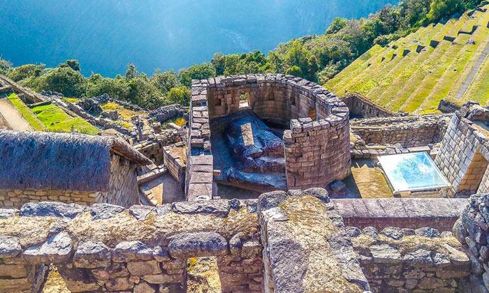 Temple of the dead: Sun Temple